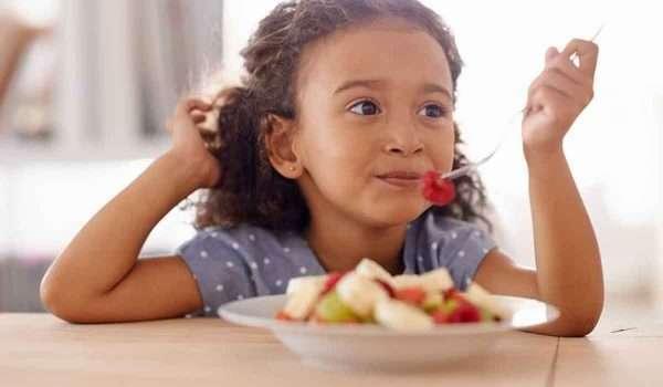 اطعمة تزيد الذكاء عن الاطفال