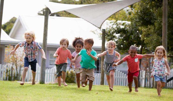 العاب ذكاء للاطفال 4 سنوات ونصائح لتطوير مهارات طفلك الإجتماعية