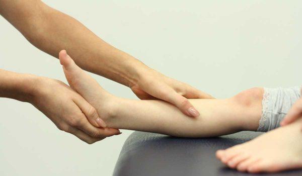 ارتخاء العضلات عند الاطفال .. ما أسبابه؟ وهل يمكن علاجه؟