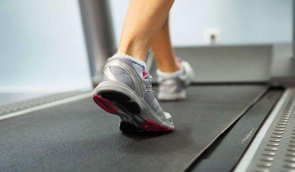 47fb648cb افضل حذاء للمشي على السير ونصائح مهمة عند الاختيار - كل يوم معلومة طبية