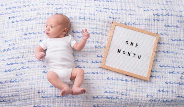 وزن الطفل في الشهر الاول