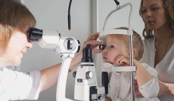 انفصال الشبكية عند الاطفال