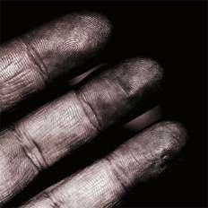 دراسة حديثة : التهاب الجلد قد يخفي بصمة اليد